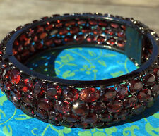 Unisex Armbänder mit Edelsteinen im Armreif-Stil