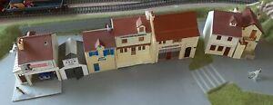 MKD, ho, 7 maquettes montées commerces village de France