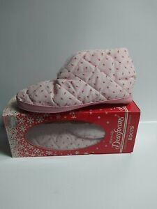 Dearfoams Warm Up Slippers Size 6.5-7.5 NIB Pink Rose Print Pattern Vintage New