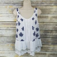 Andree by Unit Size M Sleeveless Blouse White Navy Floral Embroidered Lace  Hem