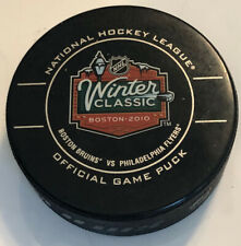 2010 Winter Classic Game Puck,Boston Bruins Philadelphia Flyers.Great Condition