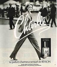 PUBLICITE ADVERTISING 015  1977  CHARLIE  parfum femme de REVLON