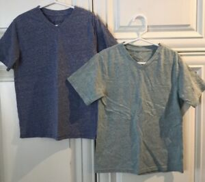Children's Place V-Neck SS T-Shirts - Blue And Green - 2 Included - Size Small!