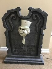 Disney Haunted Mansion  Hitchhiking Ghost Phineas Big Fig Lighted Tombstone