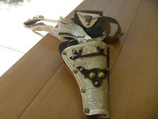 """Vintage 1950s Kilgore Cap Gun And Holster """"CHEYENNE"""" with Belt and Holster"""