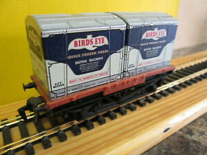 TRIX 1619 CONTAINER WAGON WITH 2 BIRDS EYE CONTAINERS   BOXED