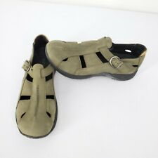 Eastland Olive Green Nubuck Leather Closed Toe Vented Fisherman Sandals Wmns 8