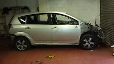 Toyota corolla verso 2.2 6 gear manuel D4D 2004-2007 breaking for spares