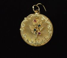 """CW191   14k gold  vintage """" BOUQUET OF FLOWERS"""" on a round shape disk pendent."""