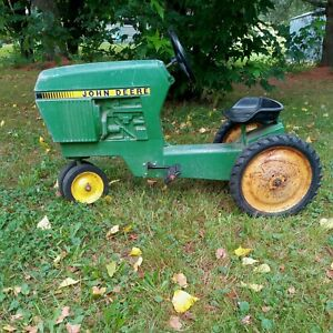 Ertl John Deere Pedal Tractor Model 520 Original Cast Aluminum Green