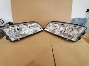 Pair of Volvo Jewel Headlights Fits 98-04 C70 98-00 S/V70 98-00 XC70