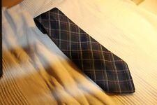 Kr5511 made in Swizerland corbata azul, blanca rosa individualizada muy bien