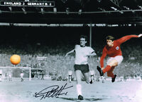SALE GEOFF HURST HAND SIGNED 1966 ENGLAND WORLD CUP PHOTO AUTOGRAPH WEST HAM