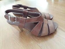 Ladies clarks sandals size uk 4.5