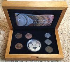 Nederland - Drie Vorstinnen en huns stuivers- in houten box met zilveren penning
