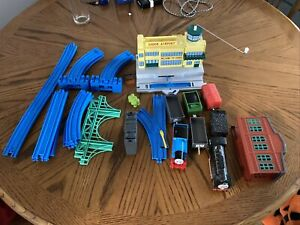 Tomy Thomas Friends Calling All Engines Airport Set Motorized Snow Clearing Hiro