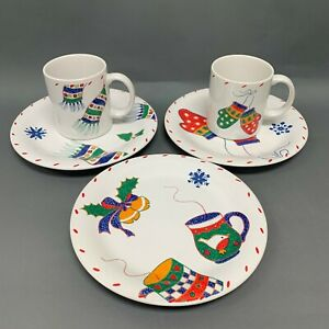 Crate & Barrel Christmas Salad Plates Mugs Designed By Julia Bullmore VGUC