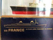 La maquette officielle et originale du paquebot SS France transatlantique