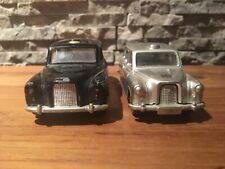 Dinky Toys et Corgi Toys Austin Taxi