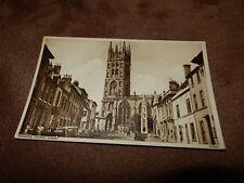 Photochrom Warwickshire postcard - old cars & street scene - Warwick