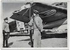 Italienische Piloten retten beschädigtes Flugzeug. Orig-Pressephoto, von 1941