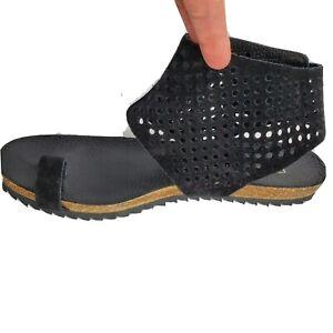 Pedro Garcia Women sandals Vania black Suede perforated Toe Loop flat sz 8-8.5