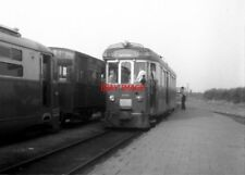 PHOTO  NETHERLANDS TRAMS 1959 OOSTVOORNE RET M TRAM NO 1802. TEAK BODIES TRAILER