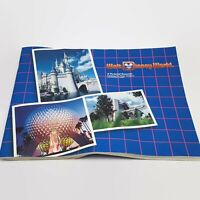 1986 Walt Disney World Pictorial Souvenir Magic Kingdom & Epcot Book / Booklet