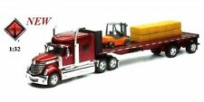 NEWRAY 1:32 INTERNATIONAL LONE STAR HAULER WITH FORKLIFT AND HAY BALES Truck