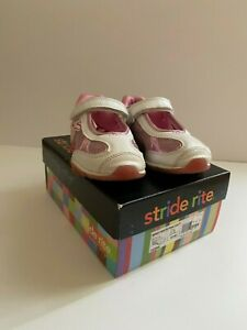 Stride Rite Pink and White Mary Jane Toddler Girls shoes Size 10.5M w/ Flowers