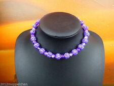 Handgefertigte Modeschmuck-Halsketten & -Anhänger aus Perlen und Edelstahl
