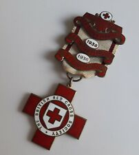 More details for a genuine red cross proficiency in first aid medal 2 1930s bars 16692 h. thomson
