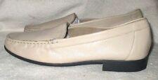 EUC  *CLARKS*  Beige Leather, Loafer Style, Slip On Shoe,  9 Med