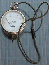 ancien petit voltmètre