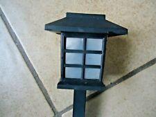 Lampe solaire ht 27 cm pagode ht 9 cm 8x8 cm bon état