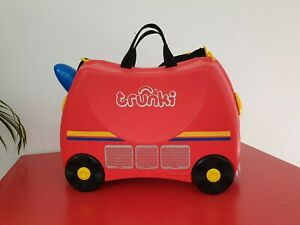 Trunki 18L Fire Engine Ride-on Kids Suitcase - Red