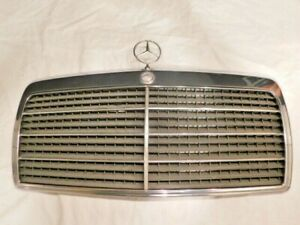 1986-1993 Mercedes-Benz E-Class Chrome Grille with Emblem