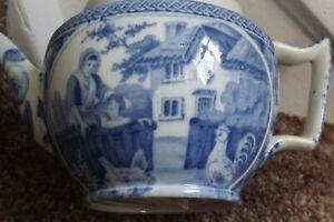 ANTIQUE EARLY 19THC BLUE & WHITE PEARLWARE TEAPOT C.1830 RURAL SCENE