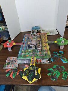 The Incredible Hulk 3D Rampage Board Game ROSE ART- 2003- missing rage o matic