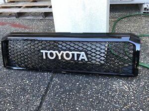 Toyota Landcruiser 70 Series 30th Anniversary Grill(black)