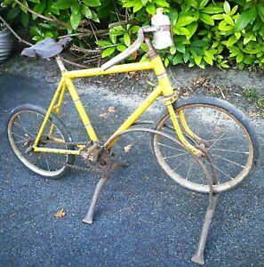 vélo ancien Tour de France réplique objet publicitaire pièce de musée