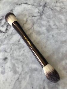 Hourglass Ambient Lighting Edit /Bronzer/Blush/Highlighter Brush
