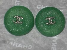 CHANEL 2 SILVER METAL CC LOGO FRONT GREEN RESIN  BUTTONS 21  MM  NEW LOT 2