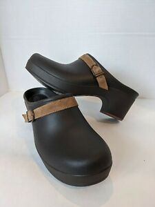 CROCS Women's Size 9 Sarah Slip On Clog Mules Comfort Shoes Brown Leather Strap