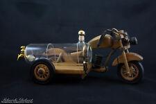 Holz-Motorrad mit Glastank