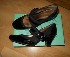 Womans Clarks Black  suede and patern shoes size 5D,wearing once