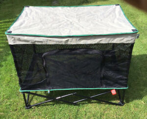 Quickshade Dog Kennel Soft Cage Collapsable Portable Never Used