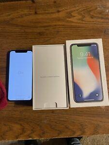 Apple iPhone X - (Unlocked) 64GB - Silver  - Verizon, AT&T, Sprint & T-Mobile