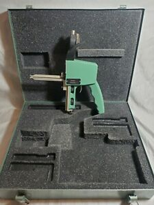 """Federal Dial Groove Gage. Model No. 99P-20. .0005"""" Accuracy"""