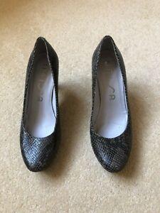 Unisa snakeskin court shoes with platform sole size 38